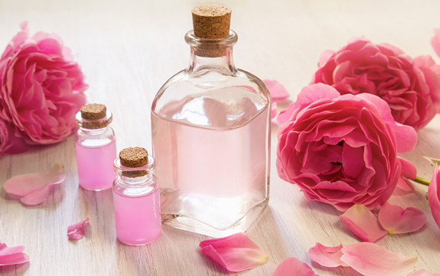 How Rose Water can help reduce Acne